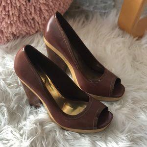 VINCE CAMUTO Brown Patent Peep Toe Heels, Sz 10